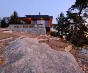 Green-architecture-of-cliff-house-by-altius-architecture-m