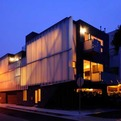 Green-design-of-glass-townhouses-s