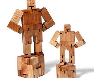 Green-industrial-design-on-cubebot-toy-for-kids-m