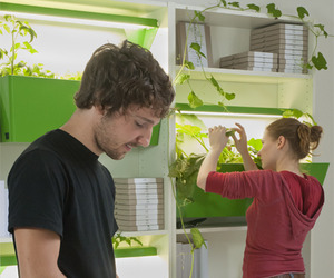 Grow-your-food-indoors-with-parasite-farm-m