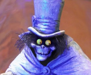 Hatbox-ghost-by-kevin-kidney-to-reveal-in-disney-world-m