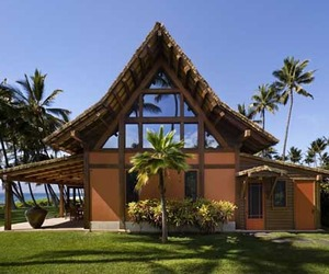 Hawaiian-longhouse-with-thatched-roof-located-in-hawaii-m