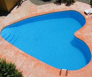Heart-shaped-pools-m