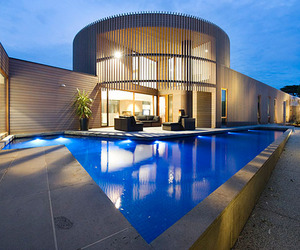 Henley-street-residence-by-jackson-clements-burrows-m