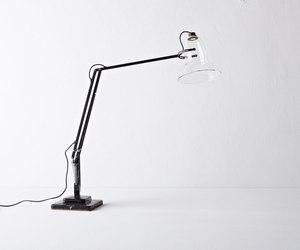 Henry-wilsons-lamp-m