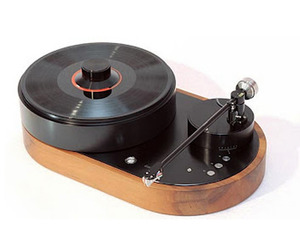 High-end-16500-turntable-and-tonearm-from-amg-2-m