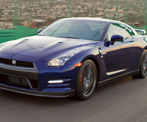 Higher-power-and-lower-drag-nissan-updates-the-gt-r-m