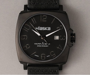 Hlaska-black-out-watch-m