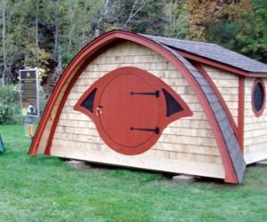 Hobbit-hole-playhouse-m