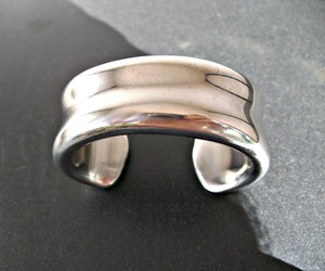 Hollow-forged-womans-cuff-m