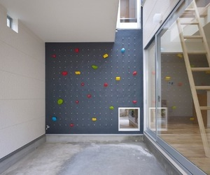 Home-with-rock-climbing-wall-inside-m