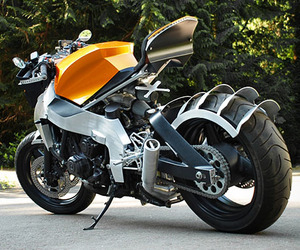 Honda-cbr-100f-custom-superbike-m