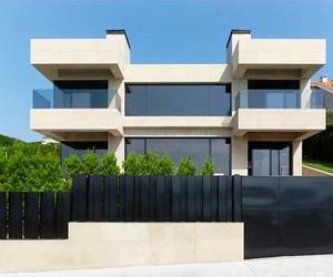 House-design-located-in-mera-la-coruna-m