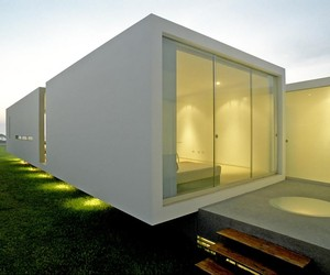 House in Las Arenas by Javiar Artadi