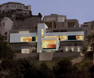House-in-las-casuarinas-by-javier-artadi-m