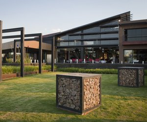 House-in-mooikloof-by-nico-van-der-meulen-architects-m