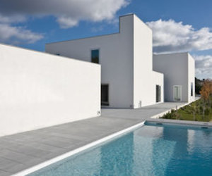 House-in-pousos-by-bak-gordon-arquitectos-m