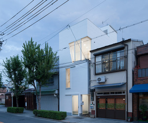 House in Tamatsu by Ido, Kenji Architectural