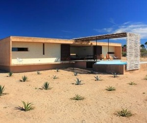 House-in-the-mexican-desert-m
