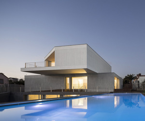 House-in-travanca-by-nelson-resende-m