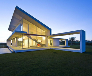 House-made-of-glass-and-concrete-in-sicily-m