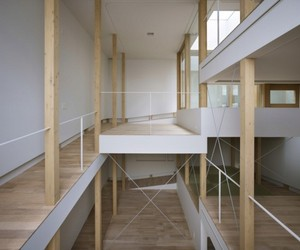 House-of-slope-by-fujiwaramuro-architects-m