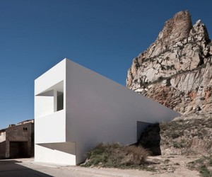 House-on-the-rocks-m