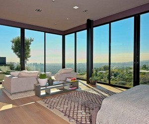 House-on-the-sunset-strip-overlooking-downtown-la-m