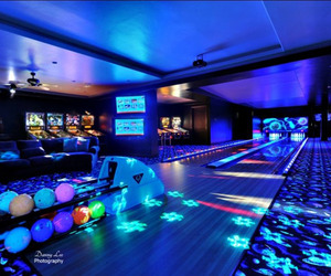 Houses-with-bowling-alley-lanes-m