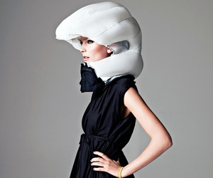 Hvding-airbag-helmet-by-sverige-ab-m