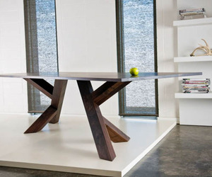 Iconoclast-dining-table-by-izm-m