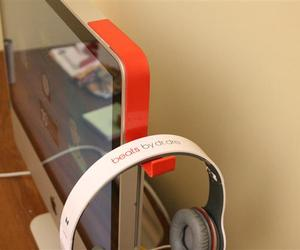 Imac-headphone-holder-by-kancha-m