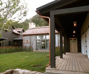 Impressive-wooden-house-in-the-mountains-m