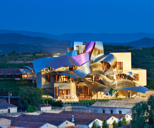 Incredibly-luxe-design-of-hotel-marques-de-riscal-in-spain-m