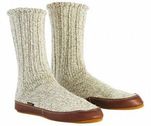 Indoor-outdoor-travel-slipper-socks-for-extreme-cold-climate-2-m