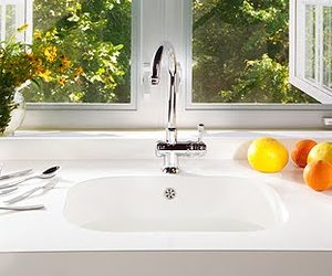 Integrity-a-new-seamless-sink-and-countertop-from-silestone-m