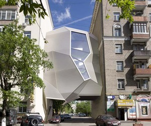 Inventive-urban-office-location-parasite-office-in-moscow-m