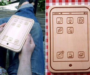 Iphone-shaped-cutting-boards-m