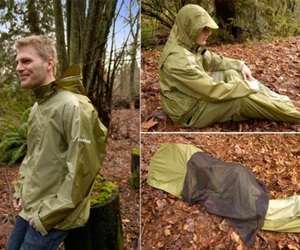 Jakpak-jacket-turns-into-sleeping-bag-m