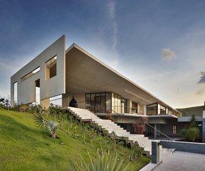Je-house-by-humberto-hermeto-arquitetura-m