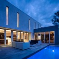 Karlusic-residence-by-hirsch-bedner-associates-s