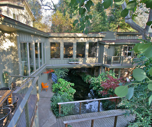 Kaweah-falls-house-a-river-runs-through-it-m