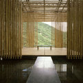Kengo-kuma-designs-the-great-bamboo-wall-house-in-china-s