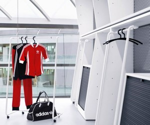 Kenzo-designed-the-interior-of-adidas-companys-main-office-m