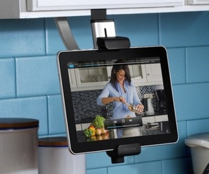 Kitchen-cabinet-mount-for-ipad-m