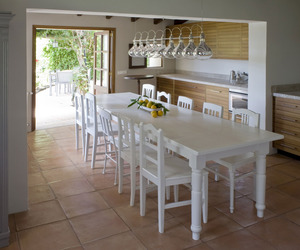 La Finca, Restored Farmhouse by UXUS