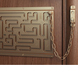 Labirith Door Chain