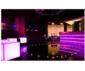 Led-lighting-system-for-club-devo-m