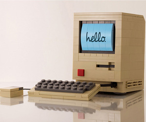 Lego-replica-of-the-original-macintosh-computer-m