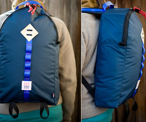 Light-daypack-by-topo-designs-m